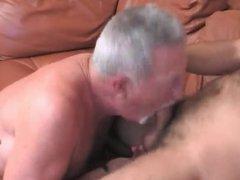 Older guy gets royalty fucked with huge cumshot !
