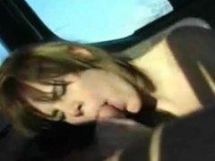 Bianca 18J - Wird im VW Bus gefickt