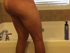 Dry legs need lotion. Anyone want to help?
