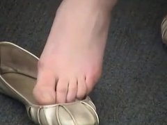 Candid College Teen Surveilliance Shoeplay Dangling Feet