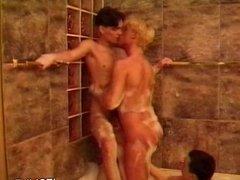 Jacuzzi Bubble Bath Threesome