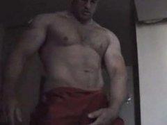 Str8 muscle guy jerk for a girl