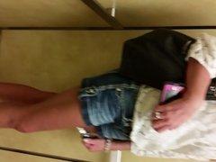 married MILF tan feet legs