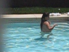 Voyeur pool MILF