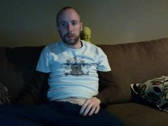 Str8 men jerk on couch