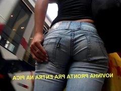 Novinha com jeans apertada na bunda saborosa