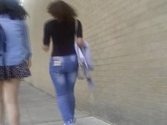 Thick legs teen in short skirt uppie fail