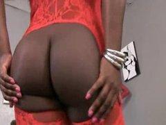 Mistress Luxury Demands Her Slave