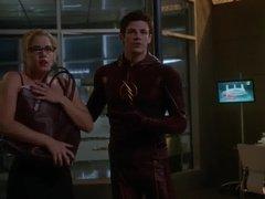 Emily Bett Rickards - The Flash s1e08