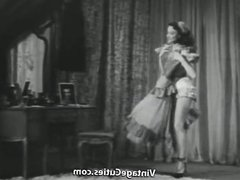 Vera Lee Shows off Her Sexy Body (1950s Vintage)