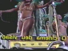 CARNAVAL E ISSO DESFILES DAS GOSTOSAS ANOS 90