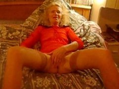 JOSEE  old bitch    love masturbing 2