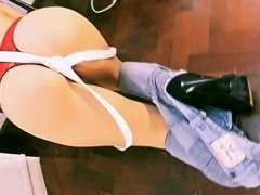 Busty Blonde Babe Wearing Skin Tight Jeans! Amazing Ass!