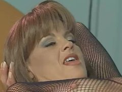 Sexy Vintage Milf licking cum from feet 2010.SMYT