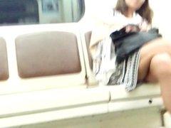 Sexy legs im metro 13 Sexy Beine in der U-Bahn 13