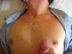 Guy sucking 2 cocks and getting facials from both