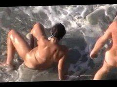 HOT SEX ON THE BEACH