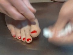Painting my toenails