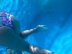 fucking hot teen ass underwater in pool