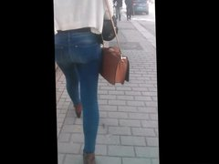 Candit Teen jeans ass