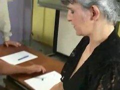 Gangbang im Klassenzimmer