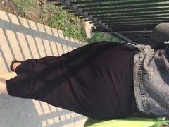 Big ghetto booty redbone in black sundress