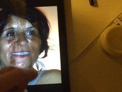 Cumming on friend mom's face