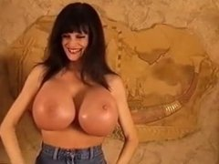 booby dancing or titty flexing 02