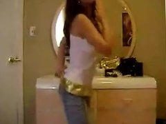 Teen shakes her ass in jeans (no nude)