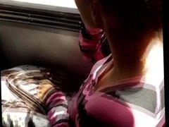 Young perky tits on bus Chica con tetas paraditas 1