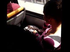 Young perky tits on bus Chica con tetas paraditas 2