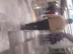 En el metro: Wera de nalgas duritas