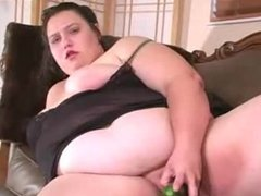 BBW MILF fucks herself with a cuccumber