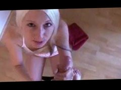 POV BLOWJOB: BLONDE FINISHES OFF A HARD-ON