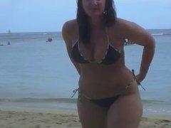 Candid beach scam 3