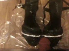 Cum on shoes - shoe tribute - turkish girl