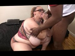 High Yellow Fat Girl gives messy blowjob