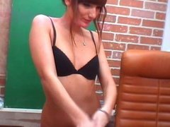 cam girl with small breasts