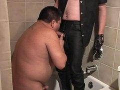 Fat man whore sucking dick