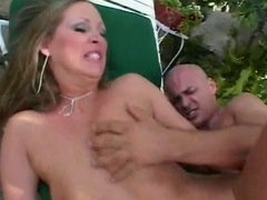 Horny bimbo gets anal and facial cumshot