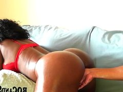 HOT EBONY COUPLE FUCKS AT HOME !!