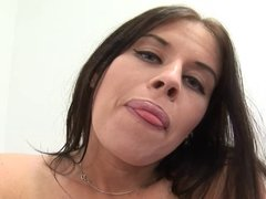 Daphne Rosen squirts & fucks