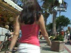 Roxy,amateur brunette girl public flashing!!