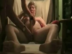 Watch my old slut cumming. Amateur older