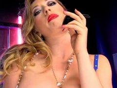 Hot Kagney in blue lingerie phonesex