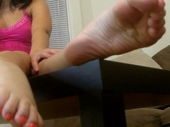 Oiled feet joi