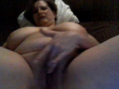 Busty Mature bates on cam