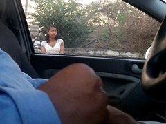 MASTURBANDOME EN EL CARRO 11