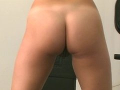 Dildo fucking bitch with nice rack works out