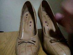 Masturbation in shoes